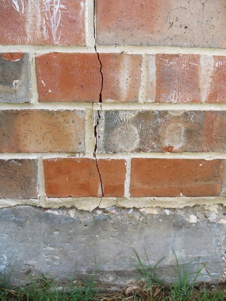 Vertical Crack In Brick Veneer