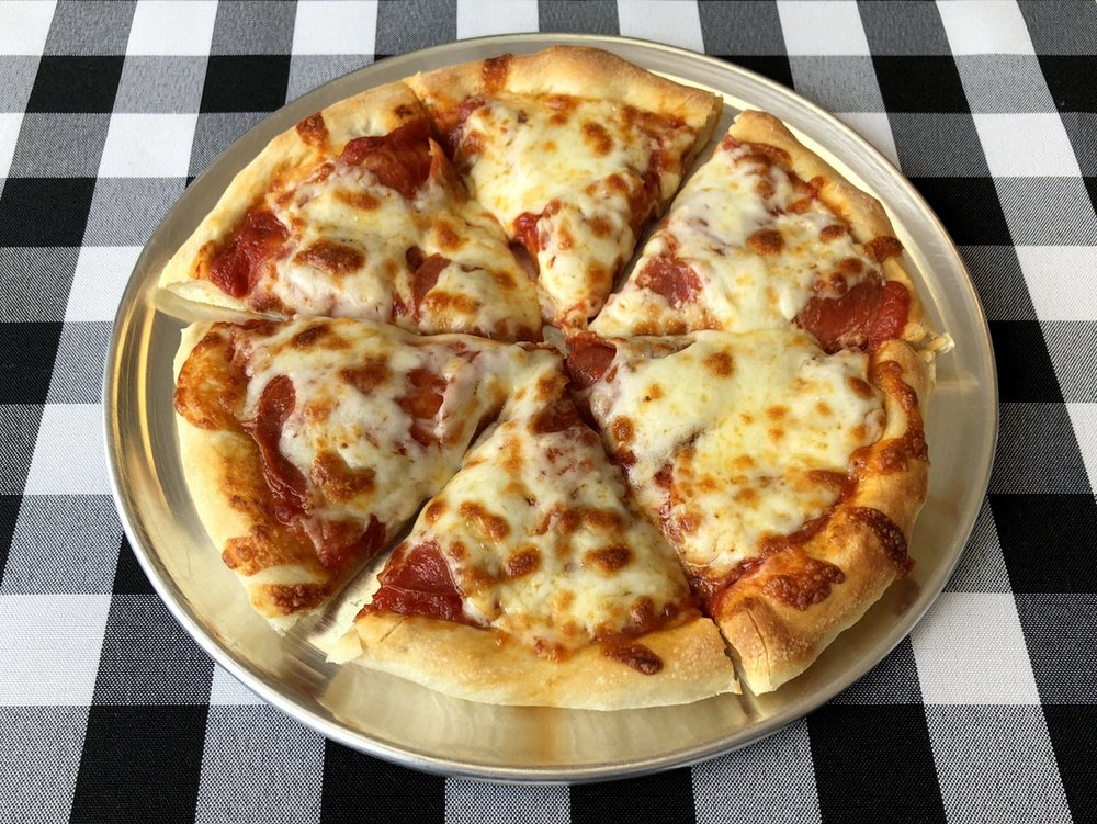 Paulie D's Pizza: 5735 Johnson Dr, Mission, KS