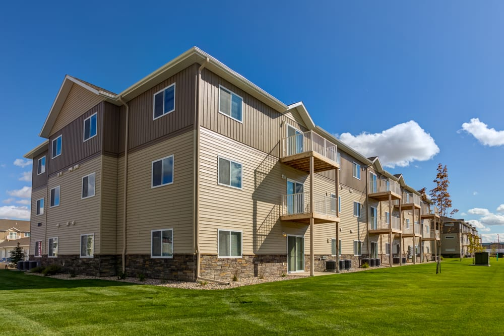 Eagles Landing Apartments: 206 32nd St E, Williston, ND