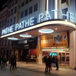 Pathé Bellecour - Lyon, France. La devanture art-déco de nuit