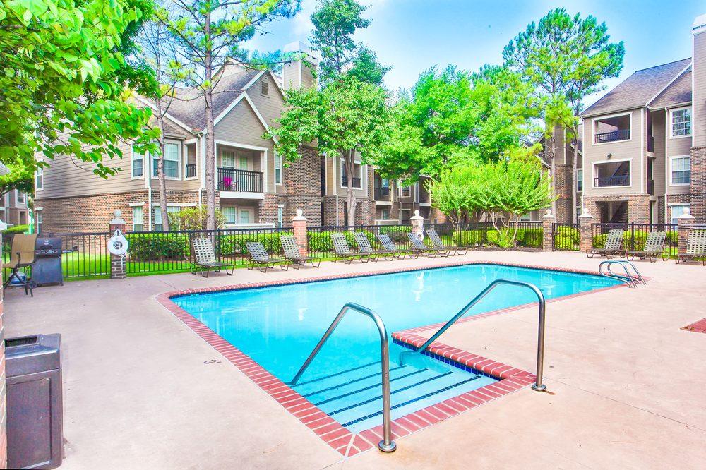 Riverside Park Apartments: 7700 Riverside Pkwy, Tulsa, OK