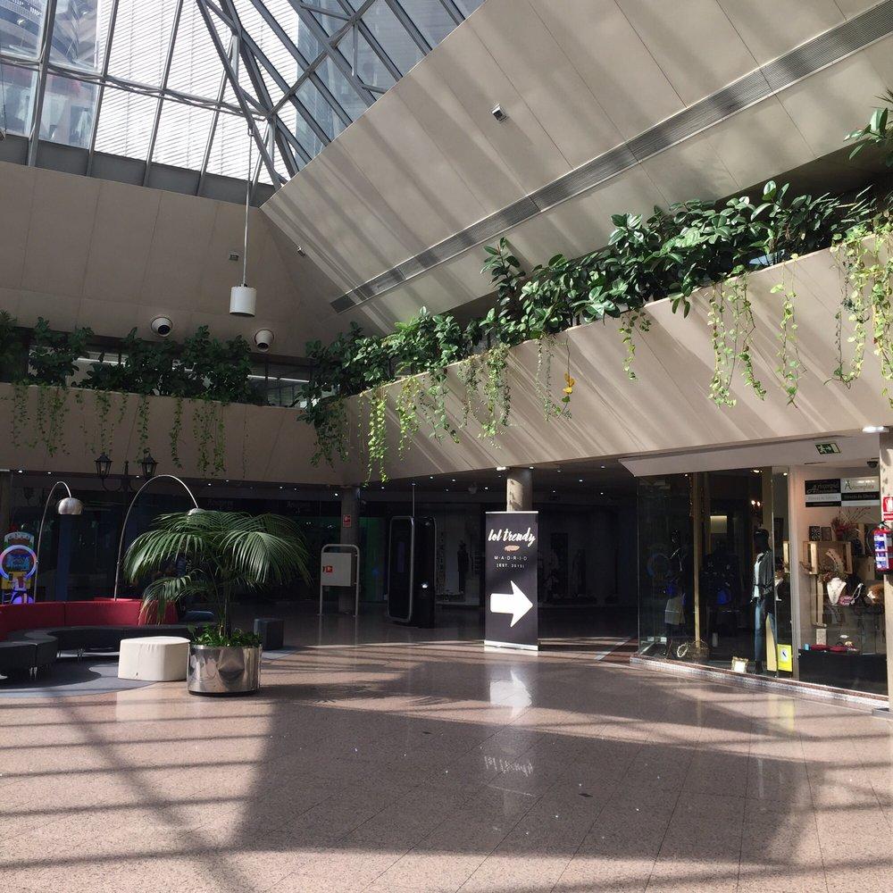 La esquina del bernab u centri commerciali avenida de for Puerta 44 bernabeu