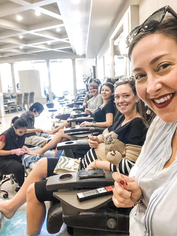 Best Nails Salon And Spa: 7509 Cantrell Rd, Little Rock, AR