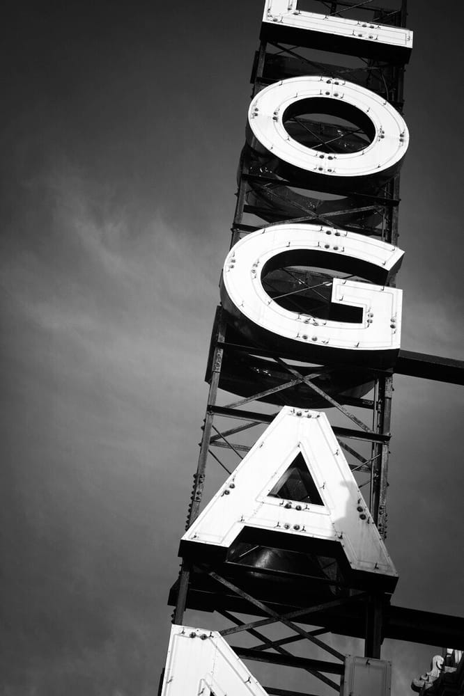 Logan Theatre: 2646 N Milwaukee Ave, Chicago, IL