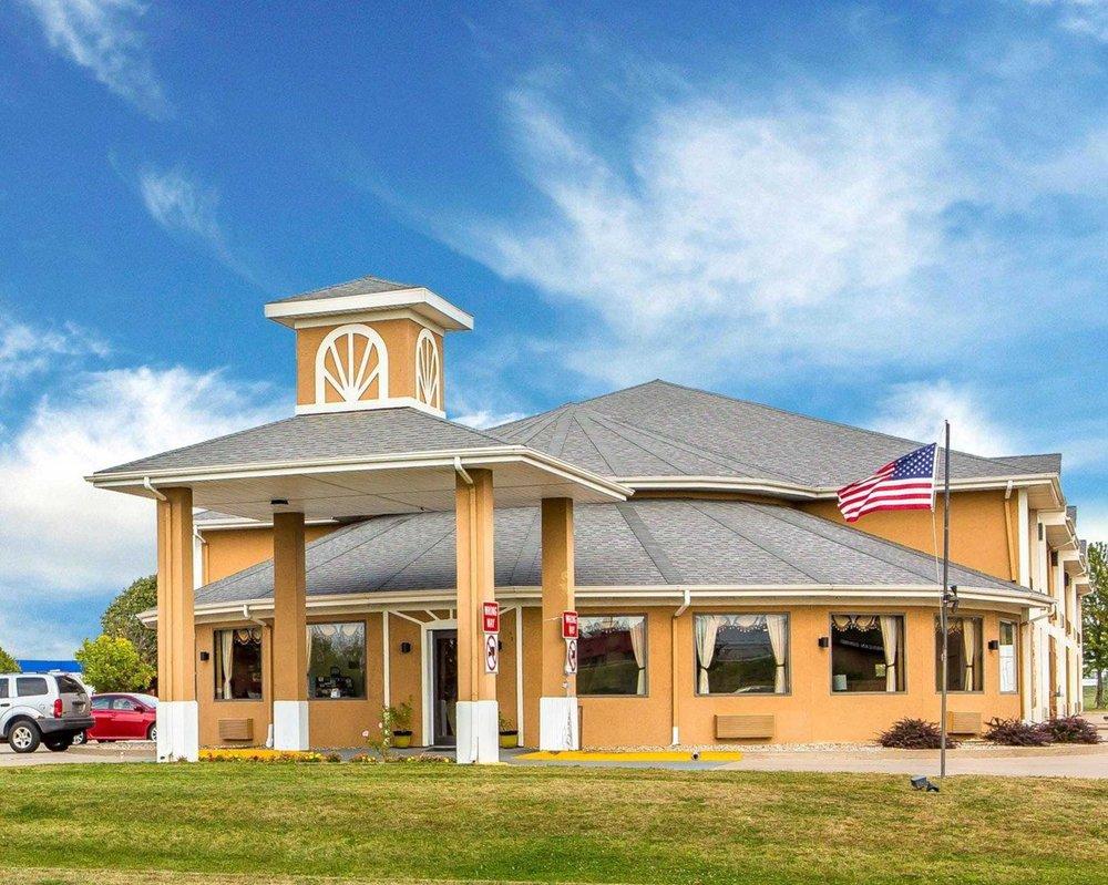 Quality Inn: 115 East Ashland, Morton, IL