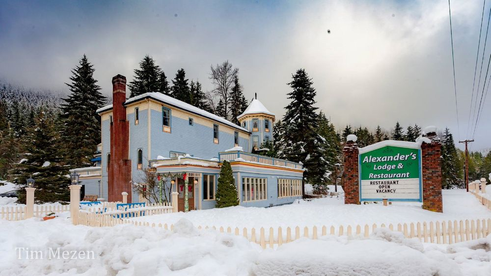Alexander's Lodge: 37515 State Rt 706 E, Ashford, WA