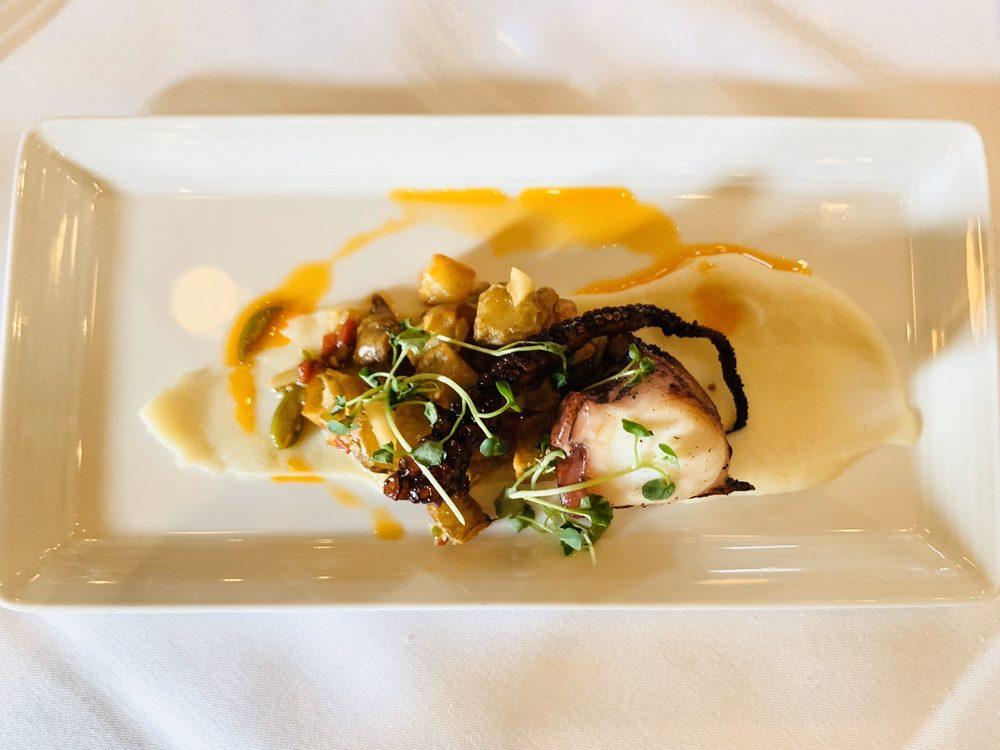 Gatehouse Restaurant at The Culinary Institute of America: 2555 Main St, Saint Helena, CA