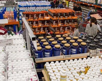 Estanter as llenas de productos yelp - Costco wholesale madrid getafe ...