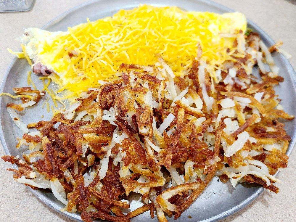 Iron Skillet Restaurant: 4700 S Lincoln Ave, York, NE