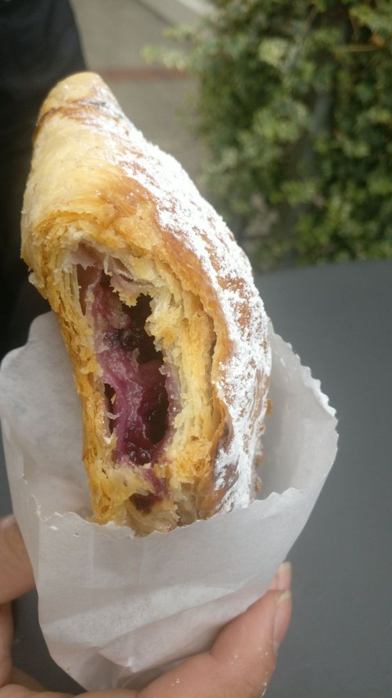 Coquette Bake Shop & Creamery: 278 Winslow Way E, Bainbridge Island, WA