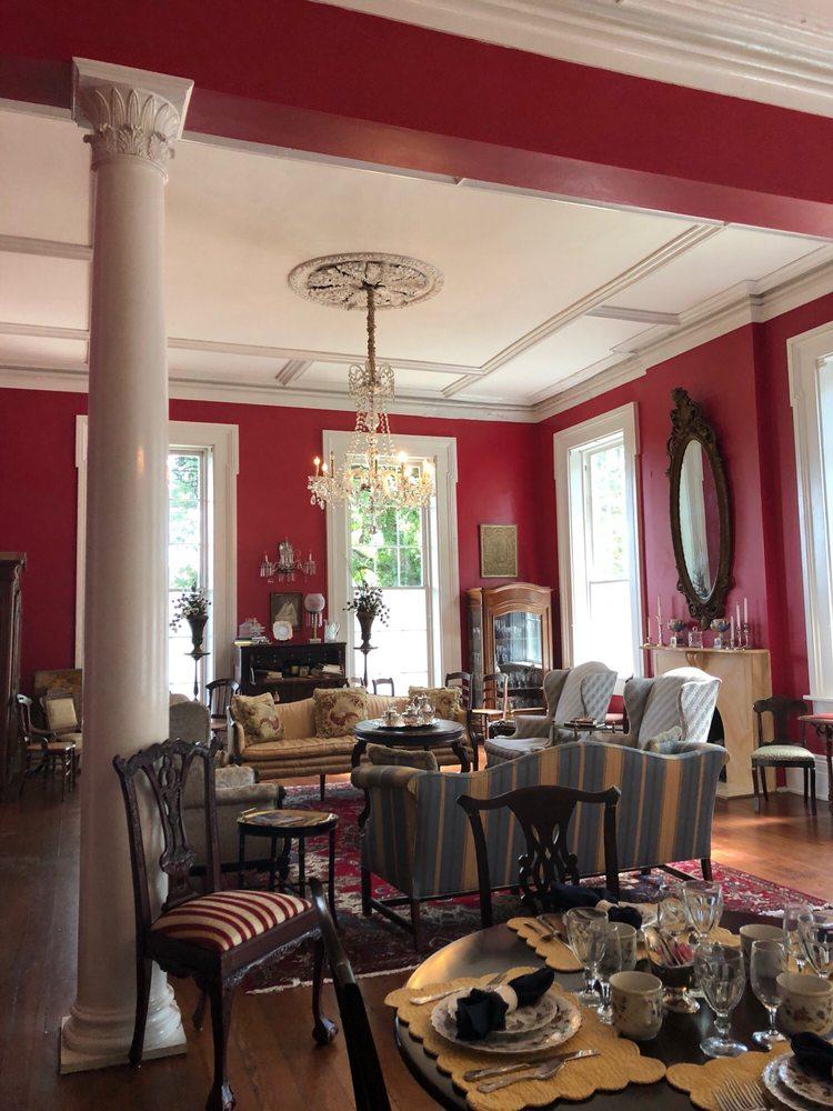 The Duff Green Mansion: 1114 1st East St, Vicksburg, MS