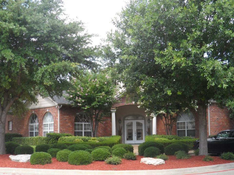 Turtle Creek Village Apartments: 201 Rabern Ct, Belton, TX