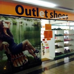 e5b2bacc7 Outlet Shoes - Lojas de Sapatos - Av. Tancredo Neves, 2421, Salvador ...