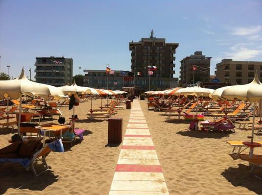 Bagno 150 beaches viale principe di piemonte 51 63 rimini
