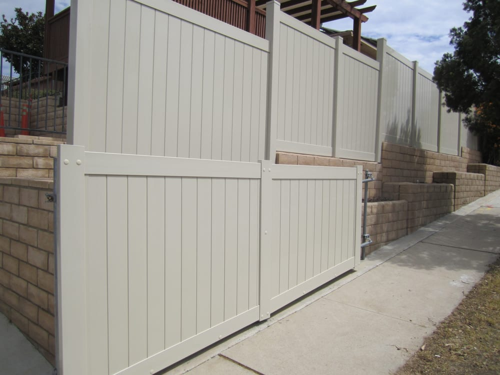 Tan Vinyl Fence With Slump Block Wall Rolling Gate San