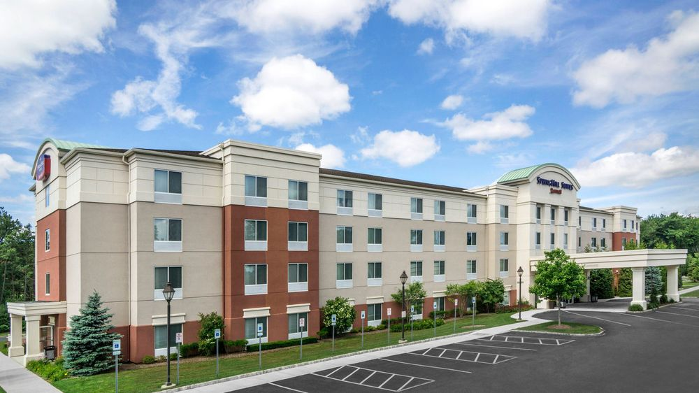 SpringHill Suites by Marriott Long Island Brookhaven: 2 Sawgrass Drive, Bellport, NY