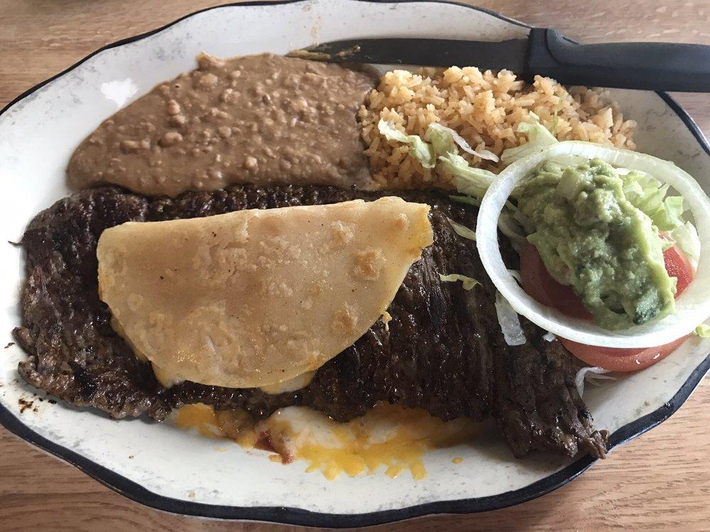 El Cajuns La-Mex: 5656 Hwy 1, Napoleonville, LA