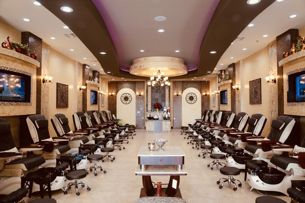 VIP Nail Lounge: 1800 S Loop 288, Denton, TX