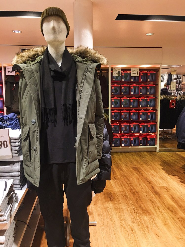 UNIQLO: 546 Broadway, New York, NY