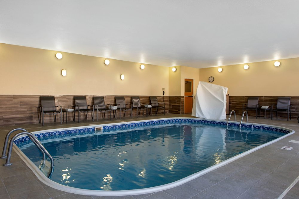 Fairfield Inn & Suites by Marriott - St. Cloud: 4120 2nd St S, St. Cloud, MN
