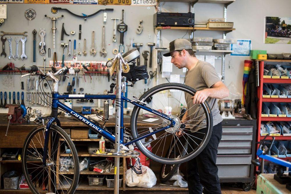 Chenango Point Cycles: 125 Park Ave, Binghamton, NY