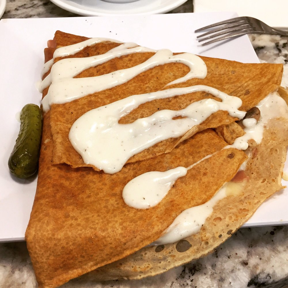 Tres Petite Creperie: 1707 Massachusetts Ave, Lexington, MA