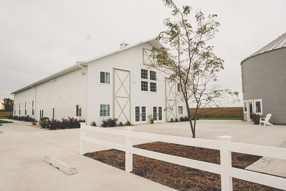 The Barn at Fairview Acres: US-34, Biggsville, IL