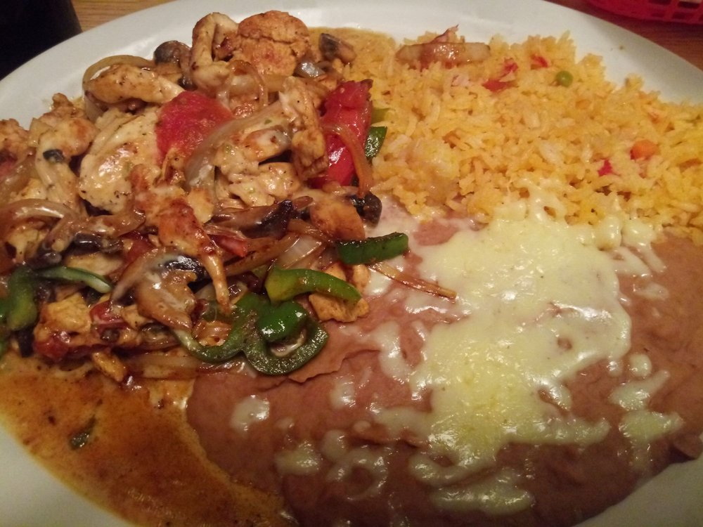 El Rio Bravo Mexican Restaurant: 6815 Alexandria Pike, Alexandria, KY