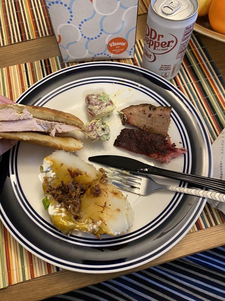 Milt's Pit BBQ: 208 W Center St, Kyle, TX