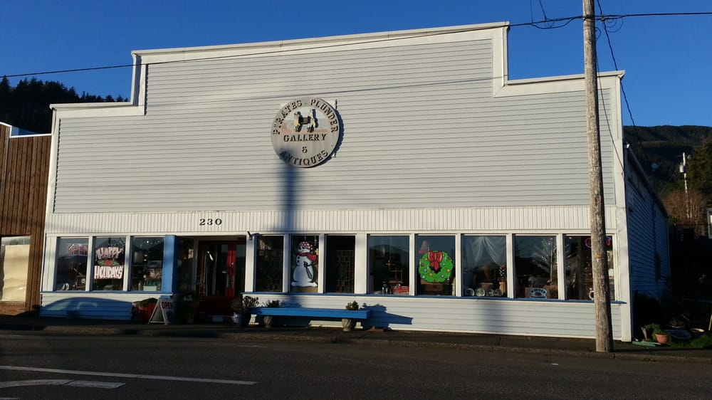 Pirate's Plunder Antiques and Collectibles: 230 Garibaldi Ave, Garibaldi, OR