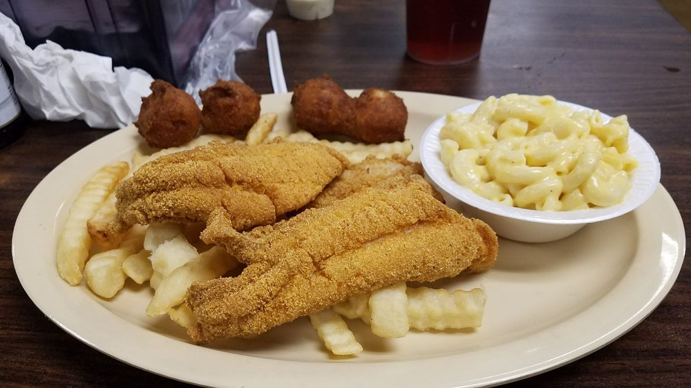 Taylor's Escape Catfish Steaks & Bar-B-Q: 1401 Hwy 72 W, Corinth, MS