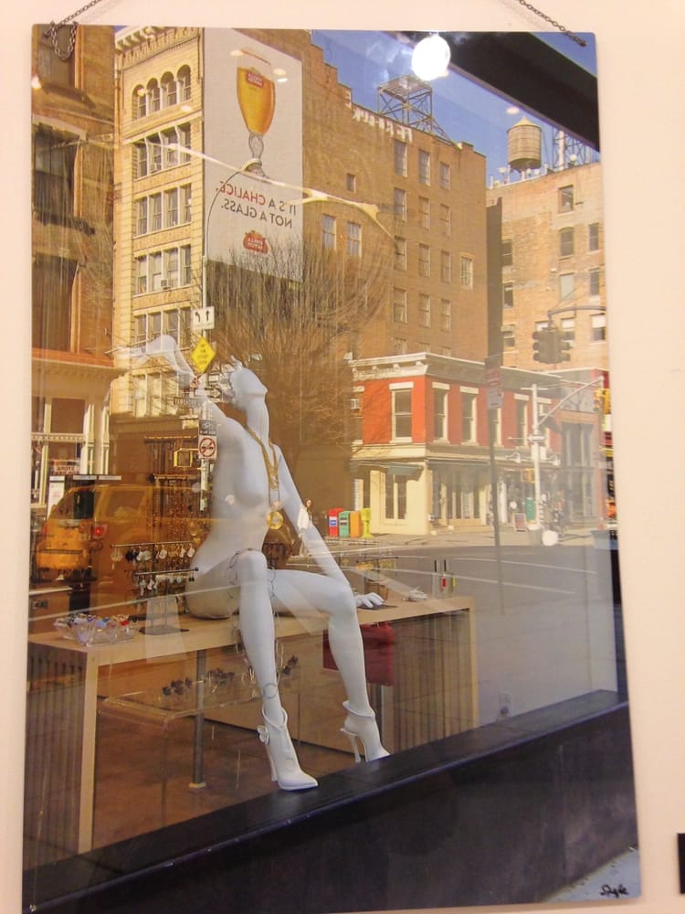 Bee's Art Studio: 914 Broadway, Bayonne, NJ