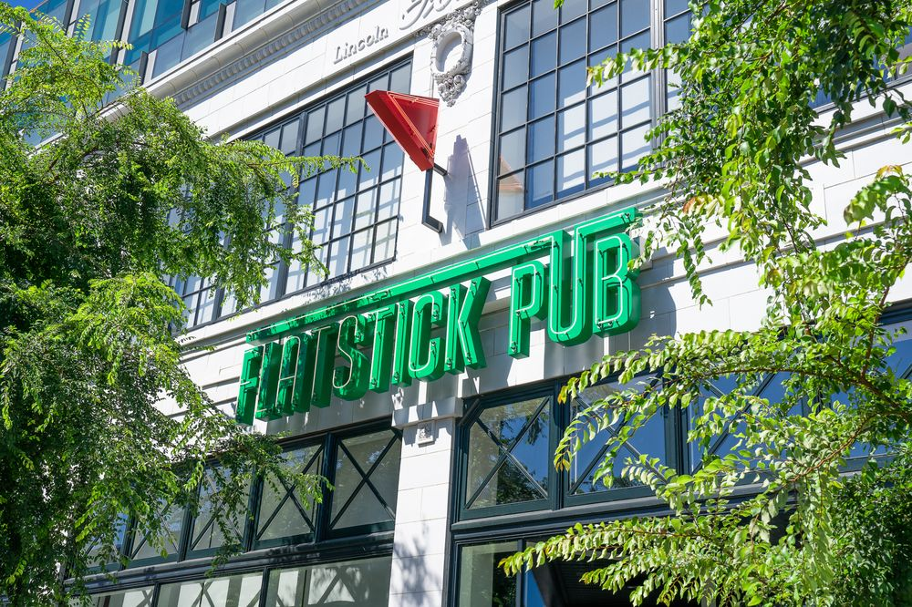 Flatstick Pub - South Lake Union