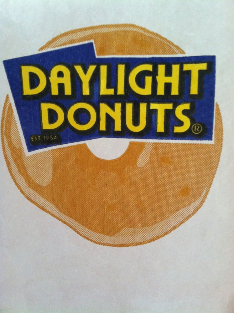 Daylight Donuts: 1601 Magnolia Ave, Port Neches, TX