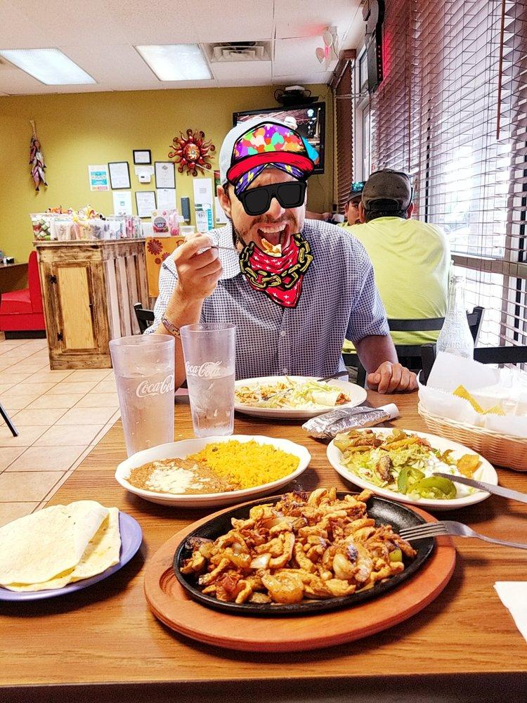 La Jaiba Seafood And Taqueria: 11941 Montgomery Rd, Cincinnati, OH