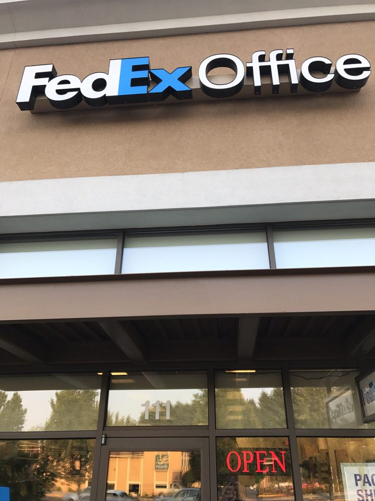 FedEx Office Print & Ship Center: 13307 NE Hwy 99, Vancouver, WA