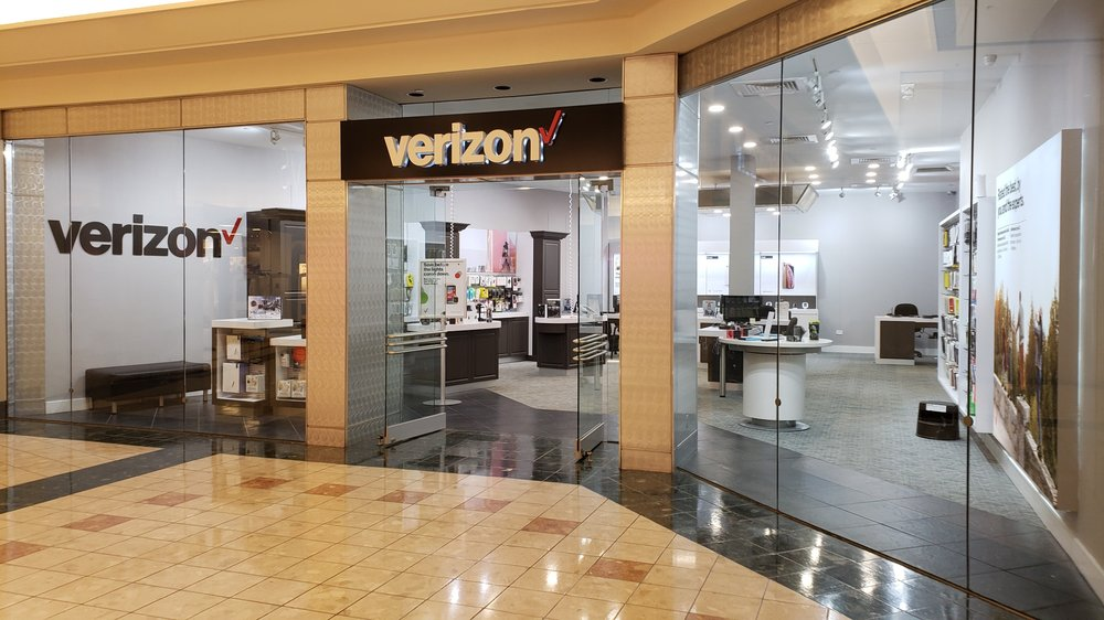 Verizon Wireless Stores: 3101 Pga Blvd, Palm Beach Gardens, FL