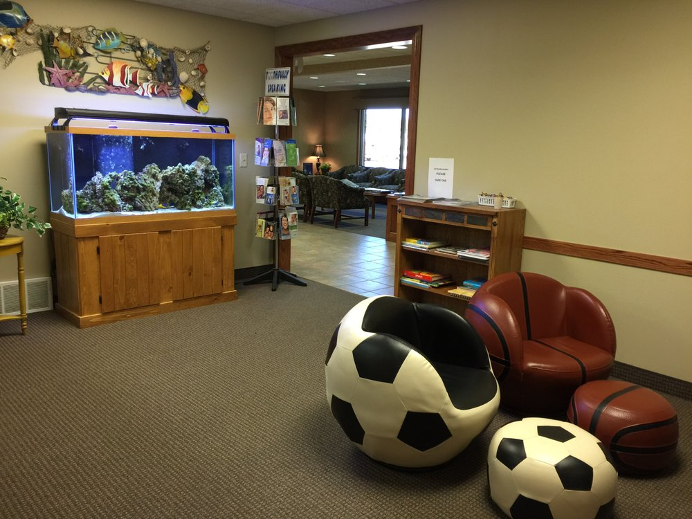 Carrels & Bain Family Dental Care: 805 S State St, Aberdeen, SD