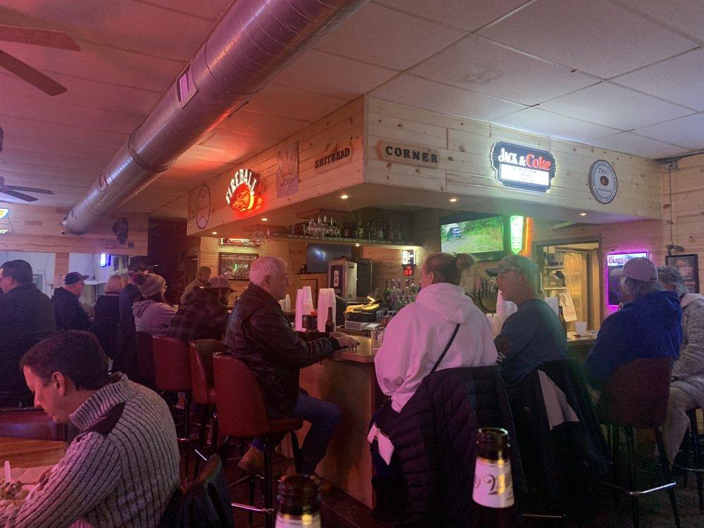 Hut Sports Bar & Grill
