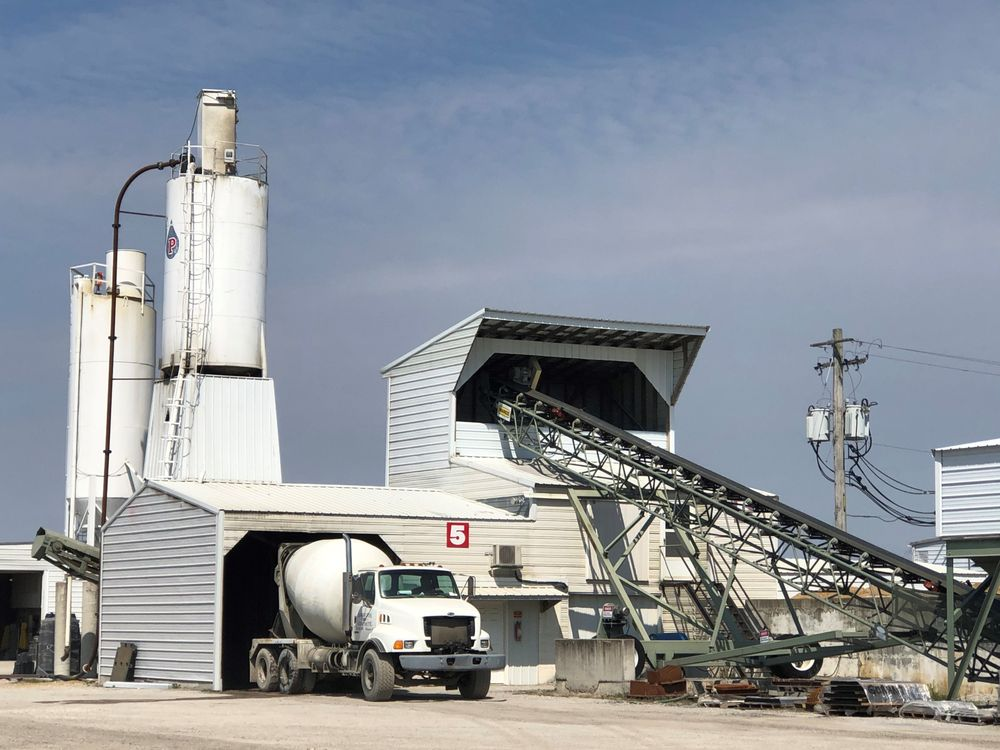 Kohnen Concrete Products: 1126 Old Carlyle Rd, Germantown, IL
