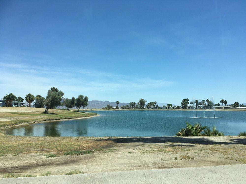 Lake Tamarisk Desert Resort: 26250 Parkvw Dr, Desert Center, CA