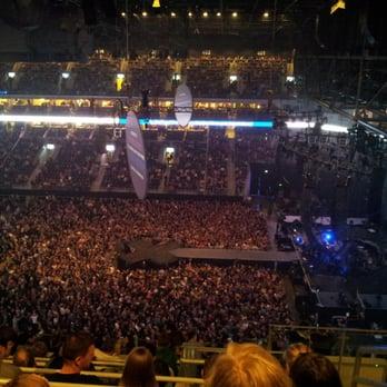 Mercedes Benz Arena - 322 Fotos & 187 Beiträge - Arena & Stadion ...
