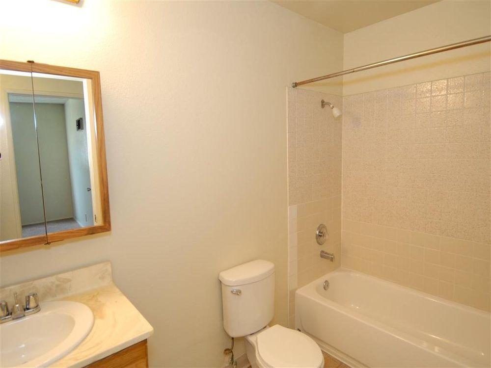 Doriana apartments 15 photos appartement meubl 6670 for La fenetre apartments san jose