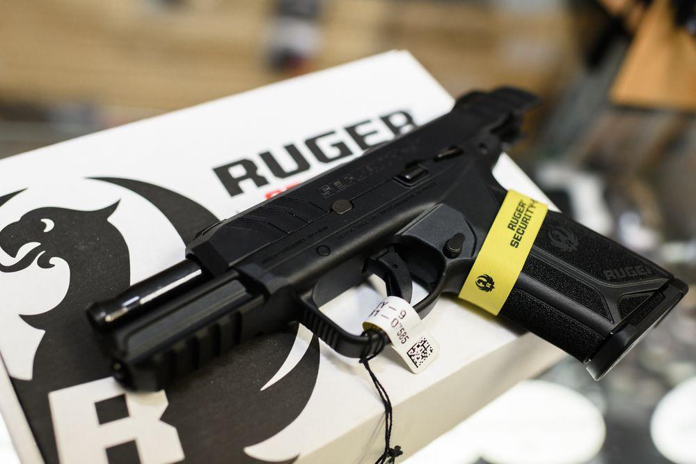 Highflyer Arms: 17 S 5th St, Warrenton, VA