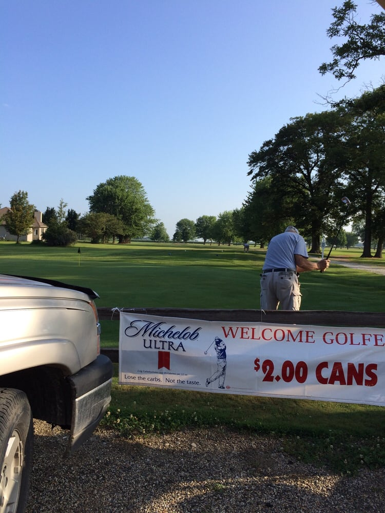 Timberlake Golf Course: 957 County Road 700 East, Sullivan, IL