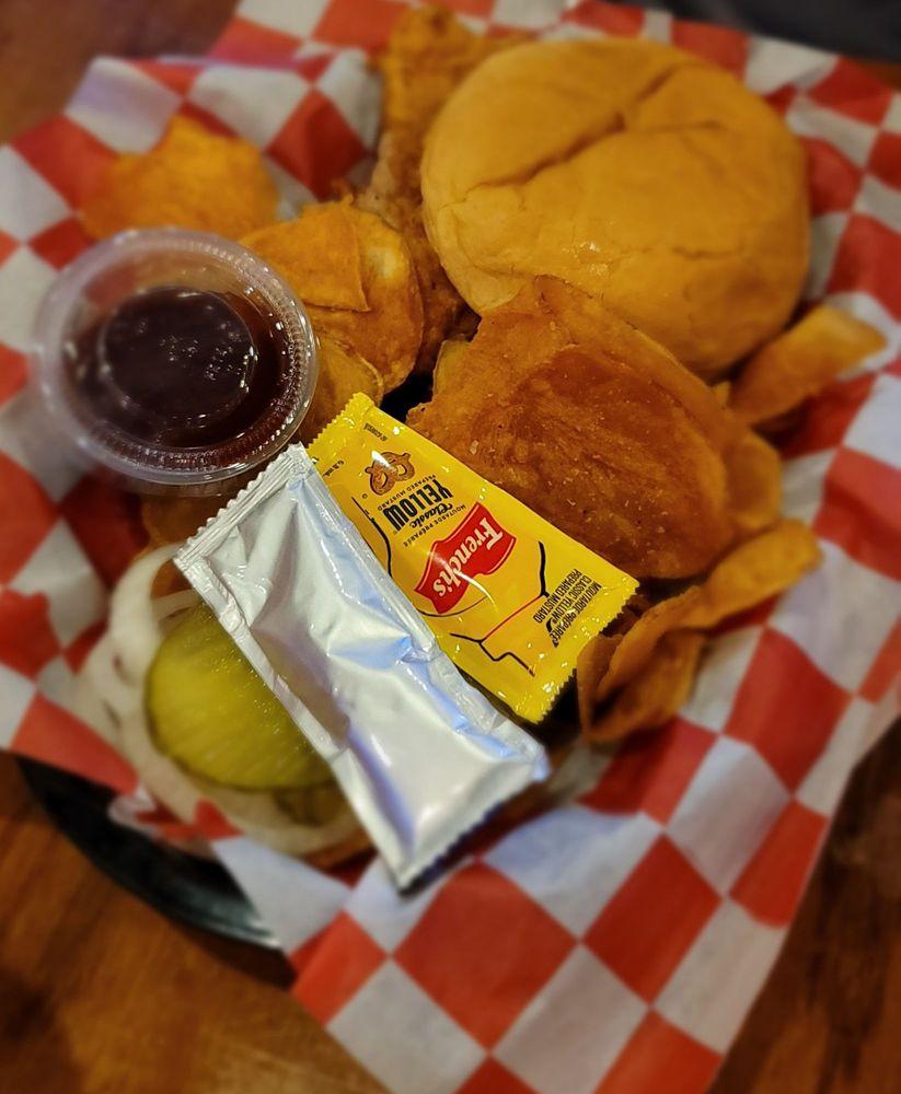 Big Al's BBQ: 1960 Grand Ave, West Des Moines, IA