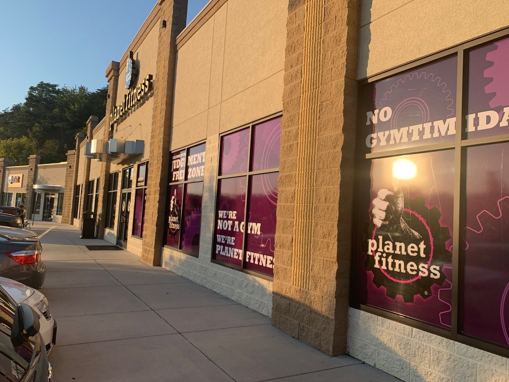 Planet Fitness: 3433 Orange Ave, Roanoke, VA