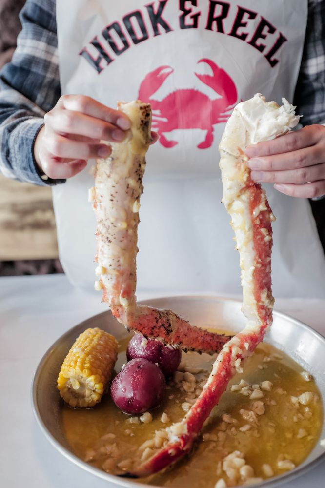 Hook & Reel Cajun Seafood & Bar: 3403 Decker Lake Dr, West Valley City, UT
