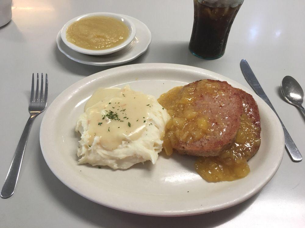 White Horse Luncheonette: 5562 Old Philadelphia Pike, Gap, PA