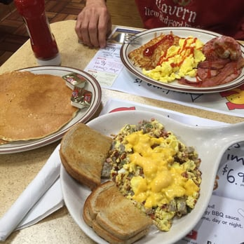 Photo Of George Webb Restaurant Milwaukee Wi United States